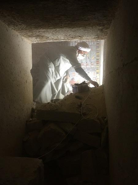Práce v podzemí Chuyho hrobky (foto Hana Vymazalová)