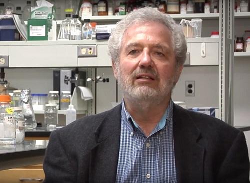 Profesor Timothy A. Keiderling, iniciátor VOA spektroskopie v Čechách
