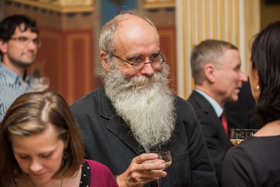 prof. RNDr. Jaroslav Peregrin, CSc.